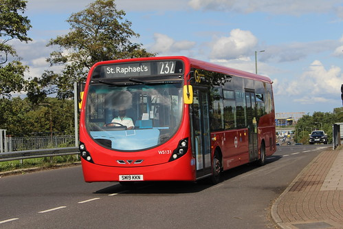 London General WS131 on Route 232, Colney Hatch
