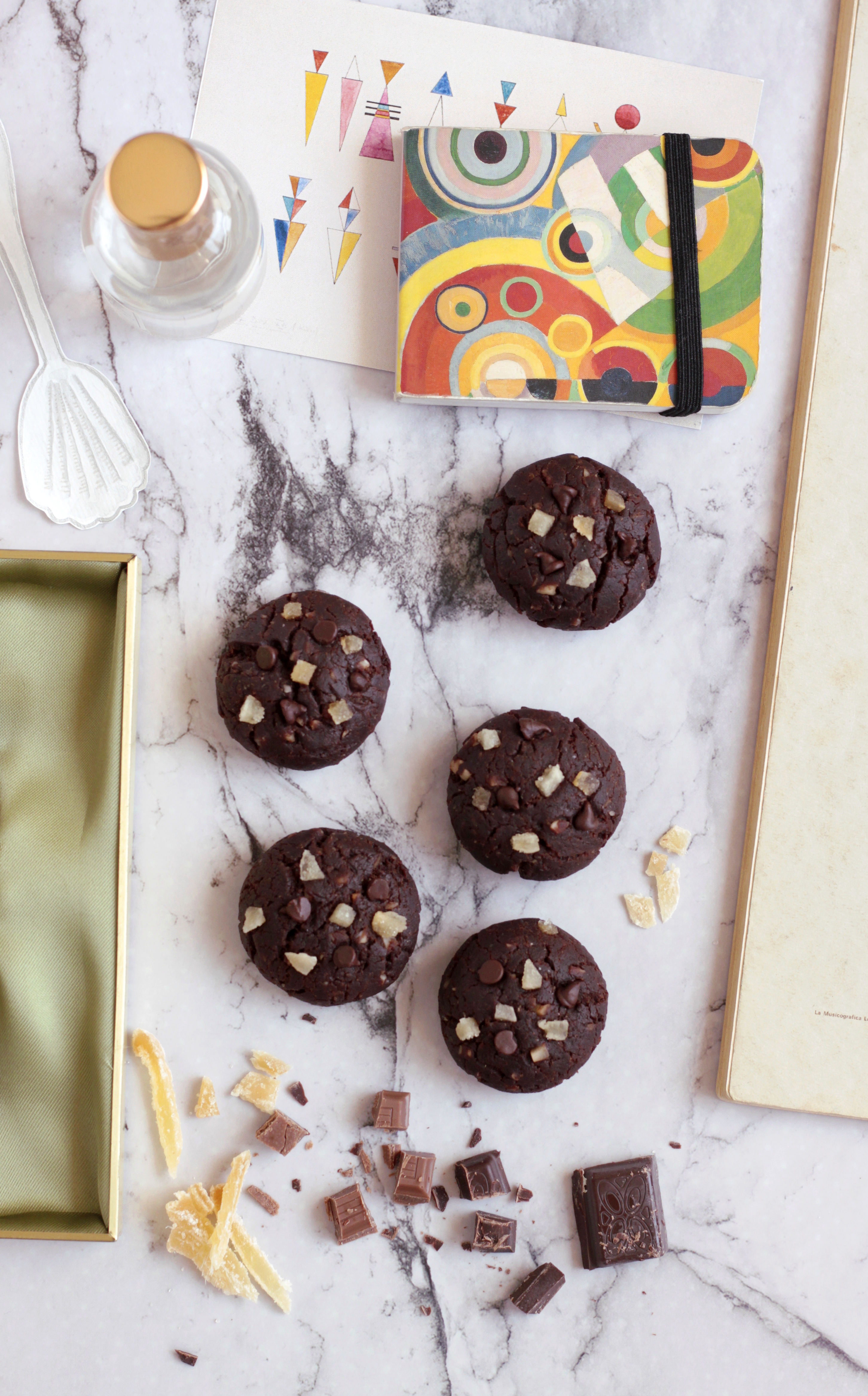 biscotti vegani zenzero e cioccolato