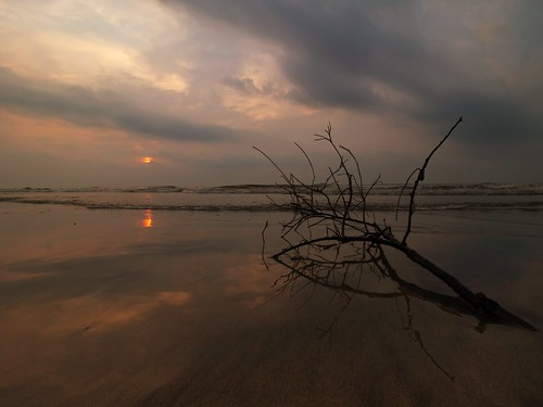 reflection sunrise cloud sky sun beach seascape shoreline coast nature landscape balok kuantan pahang malaysia visitmalaysia2020 travel place trip canon eos700d canoneos700d canonlens 10mm18mm wideangle happyplanet asiafavorites