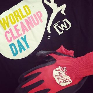 Am 21.09. ist World Cleanup Day, auch in Berlin, auch in der Jungfernheide! Wenn du bei der Aktion dabeisein möchtest, komm um 10 Uhr zum Wasserturm. Dort werden Materialien zum Aufsammeln von Müll verteilt. Und davon liegt in der Jungfernheide genügend h