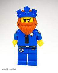 King of police . . . . #legominifigs #king #kingofpolice #lego #fiveo #legominifigure #policeking #cops #minifigures #minifigure #minifigs  #brickstagram #bricknetwork #legostagram #legocity #legoknights #afol #beard #handcuffs #suitandtie #authority #res