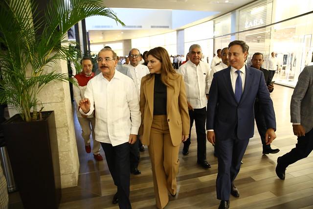 En Punta Cana, Danilo Medina participa en apertura XXXIII Exposición Comercial ASONAHORES. Paola Rainieri exhorta a seguir trabajando unidos