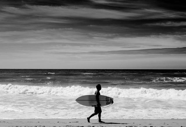 the surfer b&w