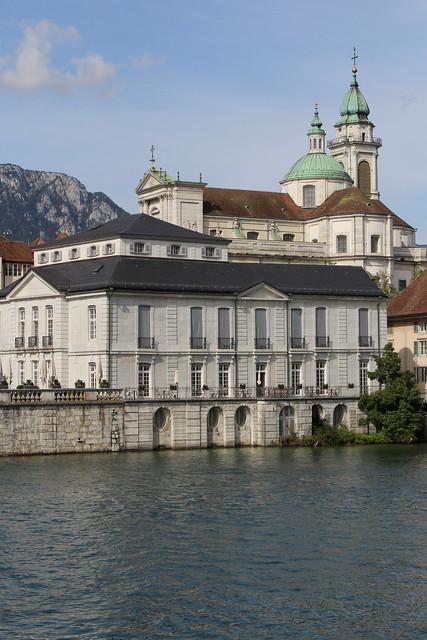 St. Ursenkathedrale Solothurn ( St. Ursen Kathedrale -Baujahr 1762 - 1773 -  Kirche Chiuche church église temple chiesa ) in der Altstadt - Stadt Solothurn ( Soleure Soletta ) an der Aare ( Fluss river ) im Kanton Solothurn der Schweiz