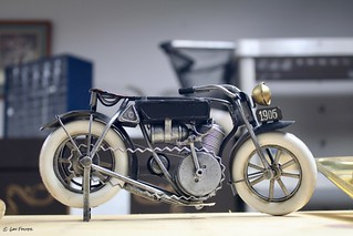 1906 Motorcycle, Tiny