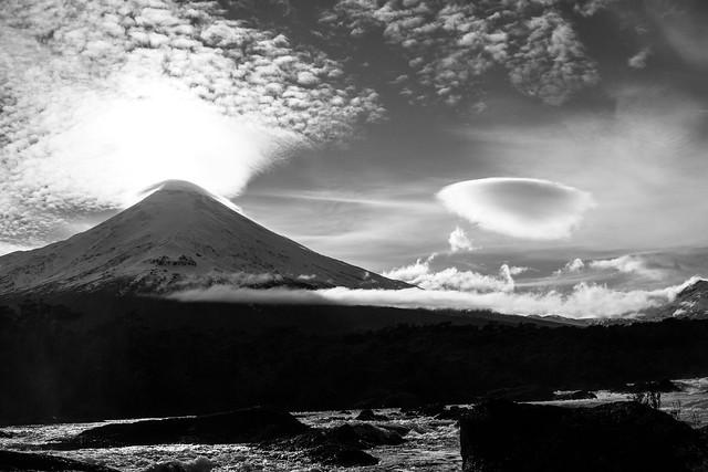 Altocumulo Lenticularis Nubes orográficas y volcanes