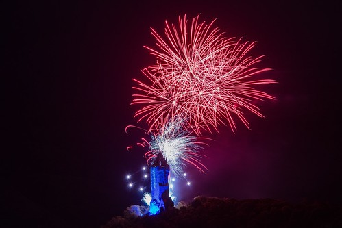 Fireworks celebrating the 150th anniversary of the Wallace monument