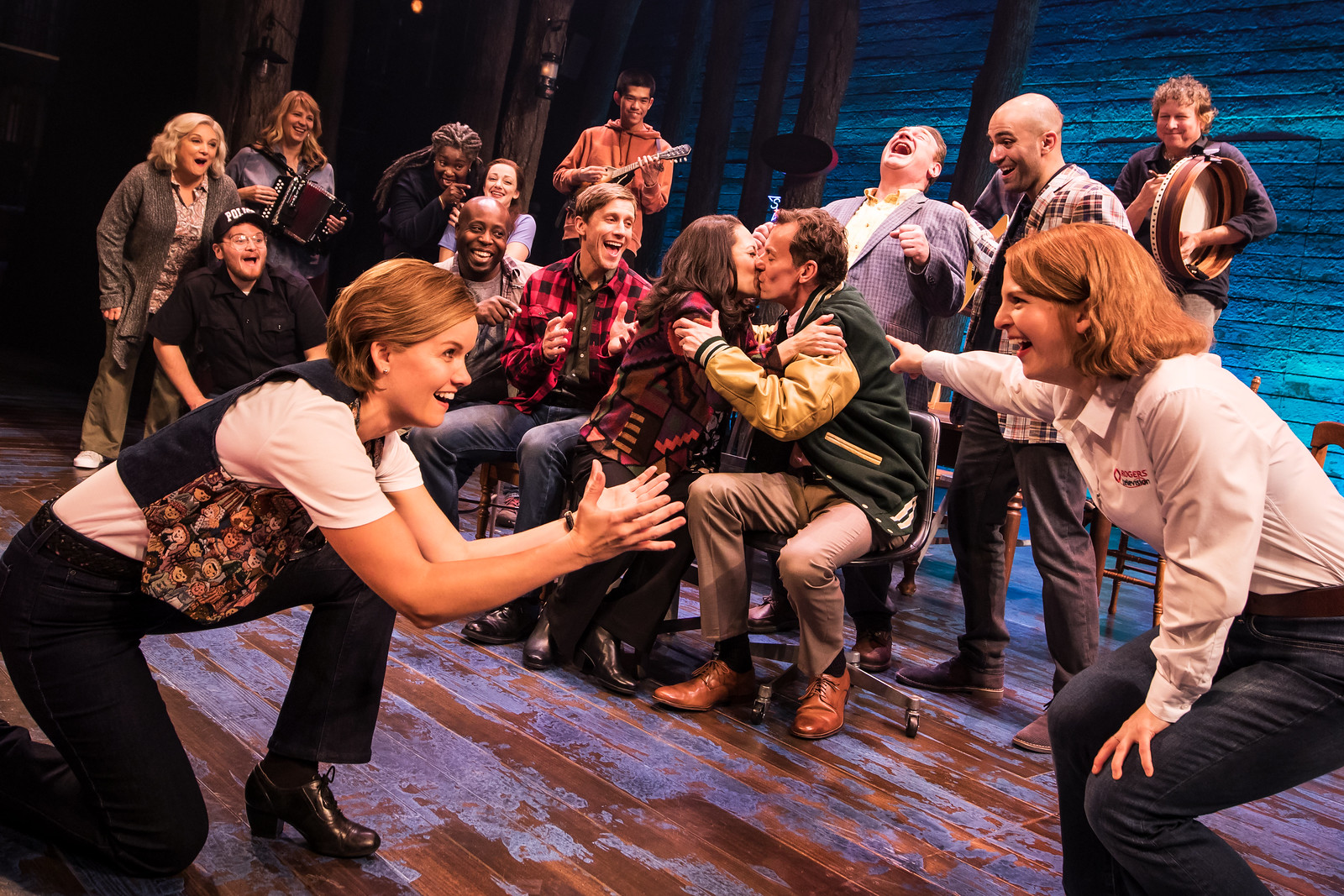 Broadway in Detroit: 'Come From Away' Debuts At Fisher Theatre (Photo by Matthew Murphy) - via Wading in Big Shoes