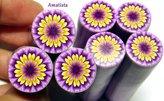 Dalia violeta-amarillo