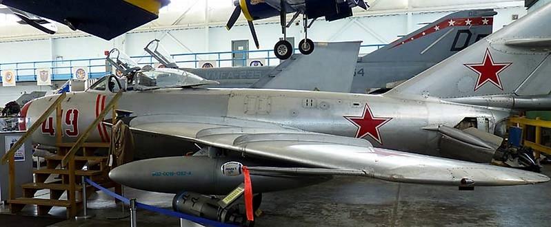 MiG-17 Fresco 18