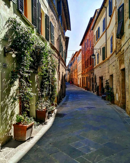 📍Montalcino, Tuscany, Italy . . . #like #follow #share #comment #subscribe #castelnuovodellabate #montalcino #borghettomontalcino #tuscany #tuscanygram #italy #italy #italia #santantimo #valdorcia #travel #travelblogger #travelphotography #t