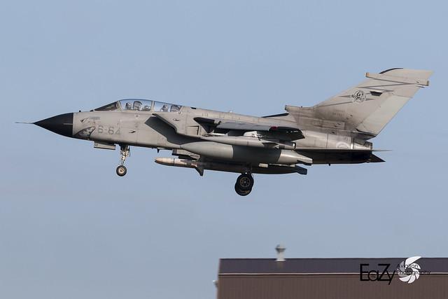 MM7052 (6-64) Italian Air Force (Aeronautica Militare) Panavia Tornado ECR