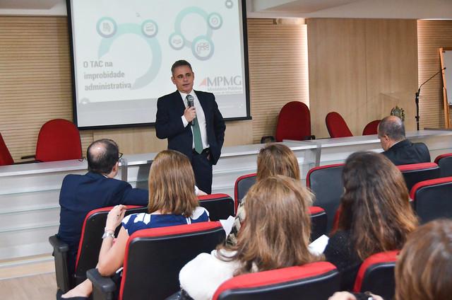 12.09 - Seminário sobre métodos de solução de litígios sobre improbidade administrativa