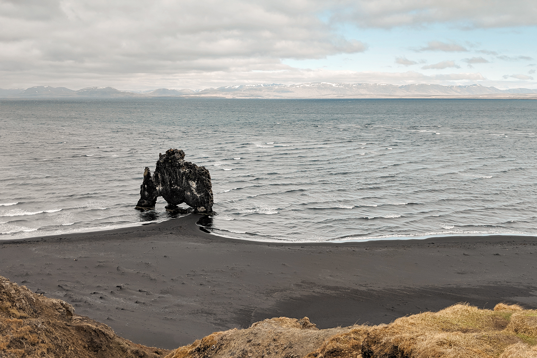 05vatnsnes-hvitserkur-seastack-arch-iceland-travel