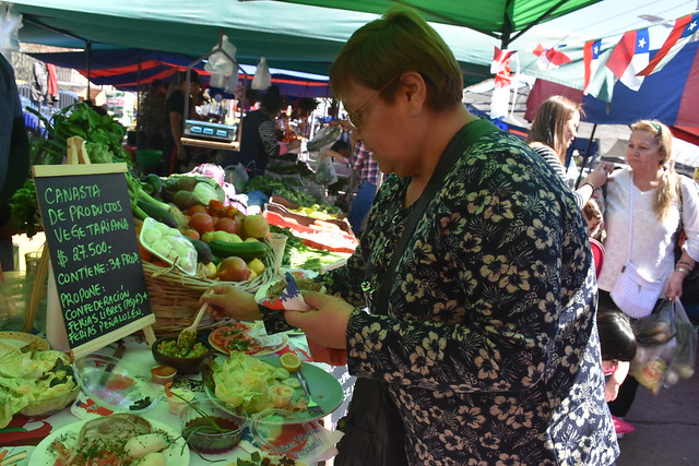 Colegio de Nutricionistas y la Confederación de Ferias Libres entregaron opciones de menús criollos para Fiestas Patrias