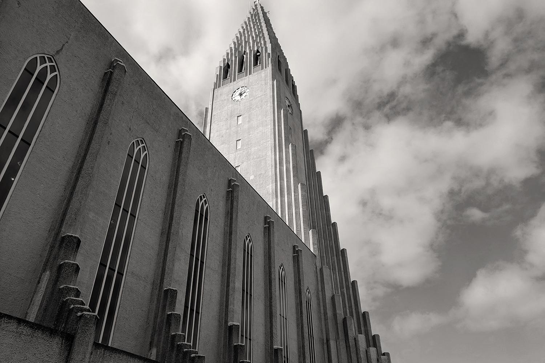 06reykjavik-iceland-hallgrimskirkja-church-travel-photography