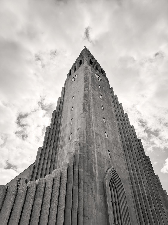 04reykjavik-iceland-hallgrimskirkja-church-travel-photography
