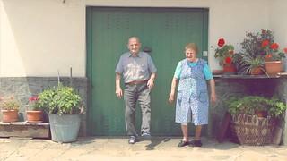 Un frame del video 'L'Italiano balla male'