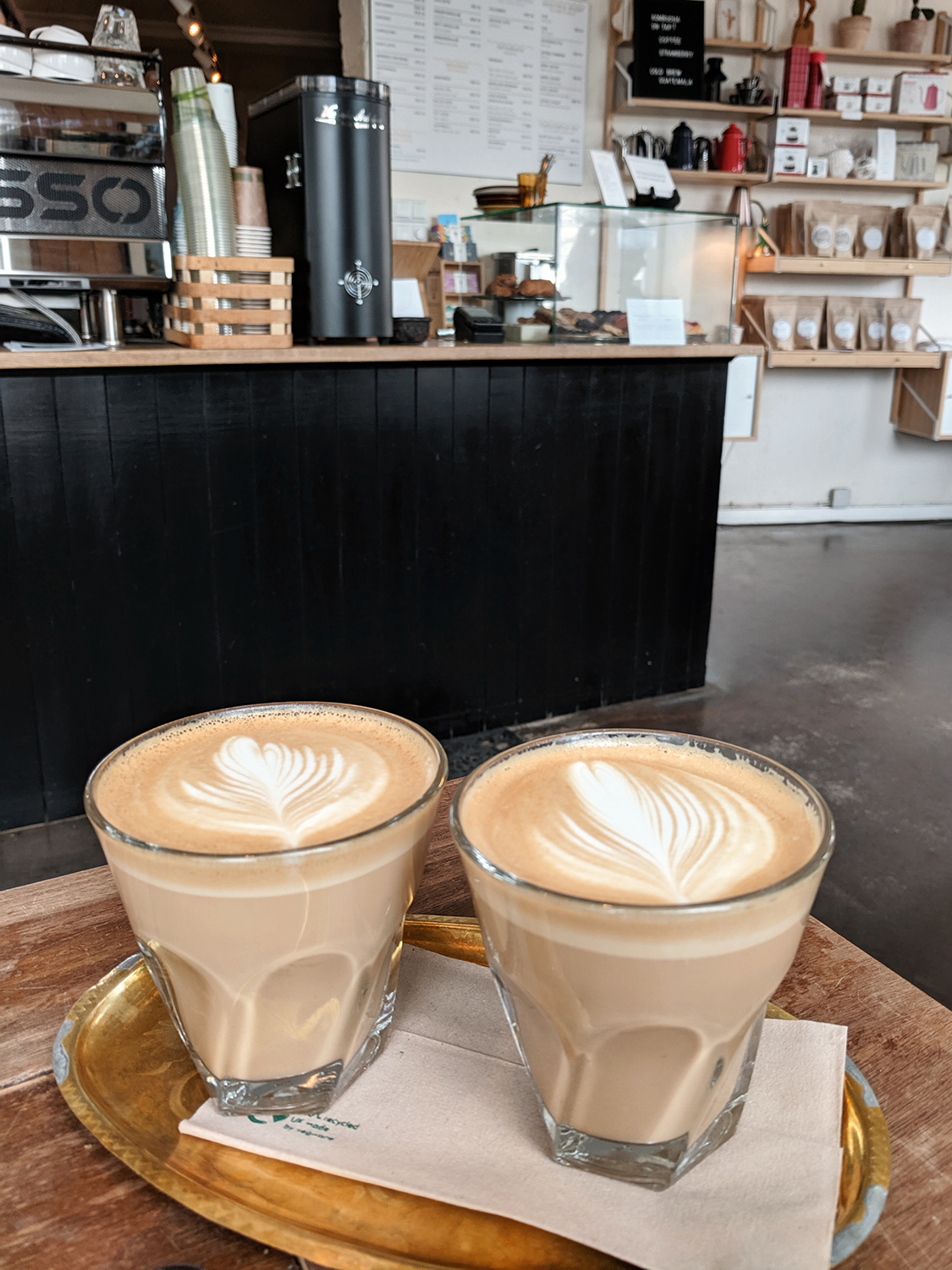 09reykjavik-roasters-coffee-latte-iceland-travel