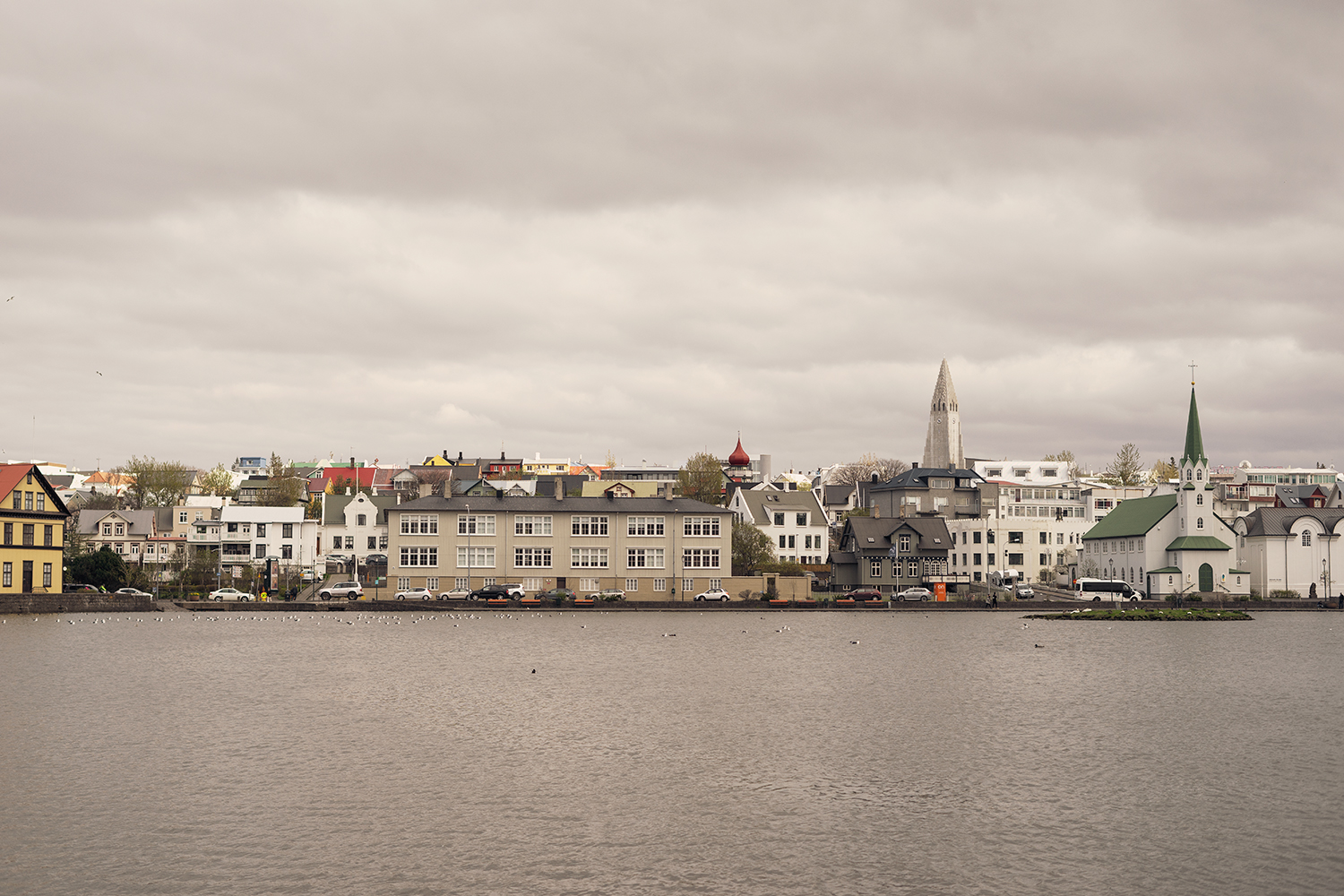 02reykjavik-iceland-tjornin-lake-travel-photography