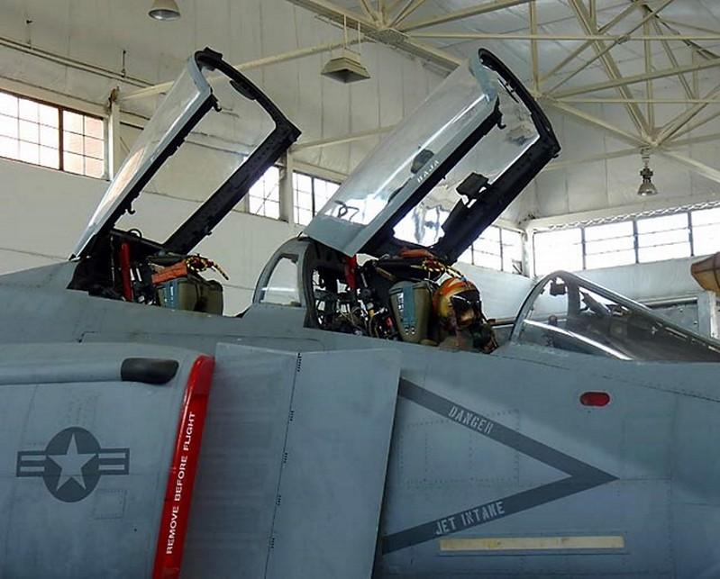 ΜακΝτόνελ F-4S Φάντασμα 2