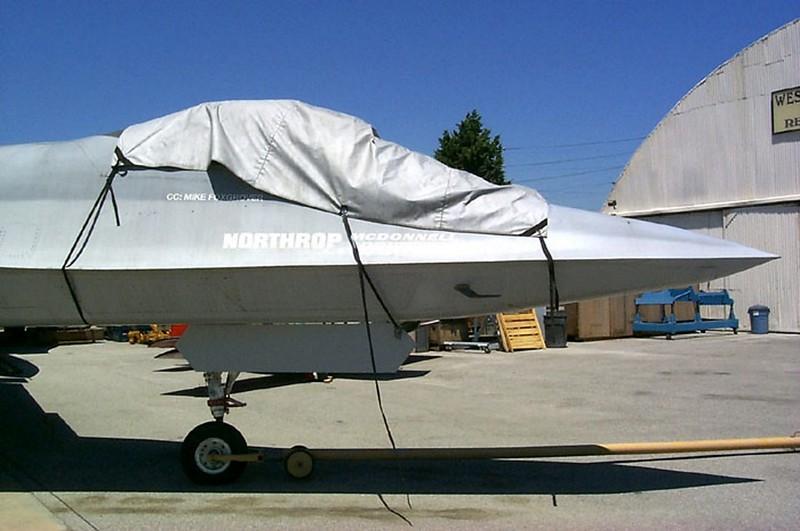Northrop YF-23 2