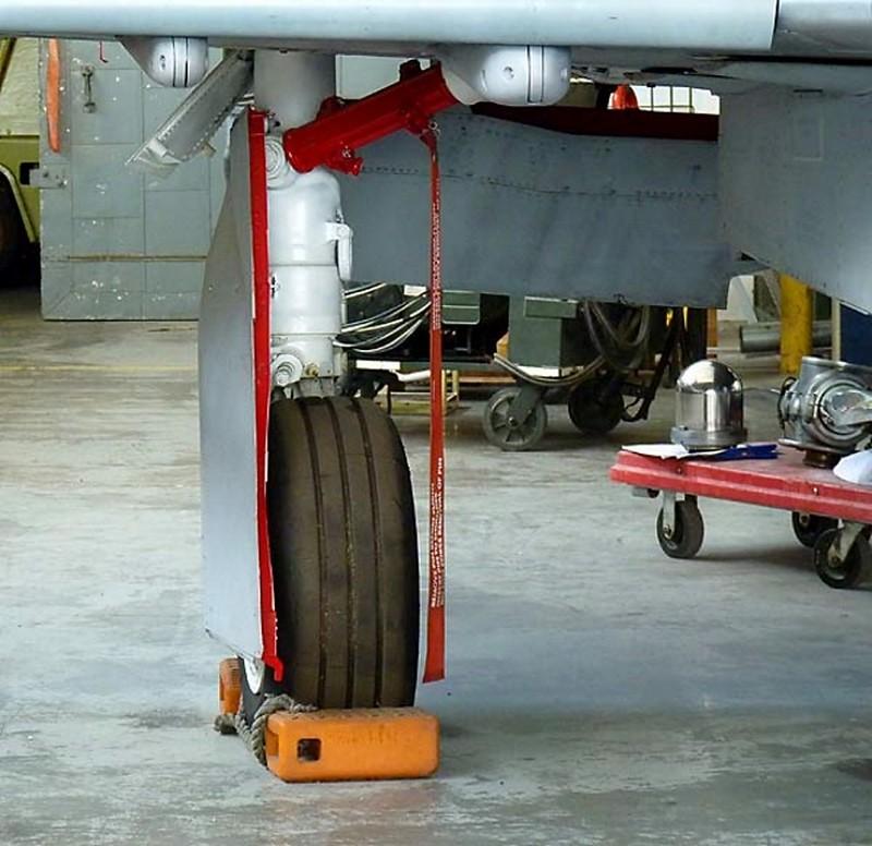 ΜακΝτόνελ F-4S Φάντασμα 3