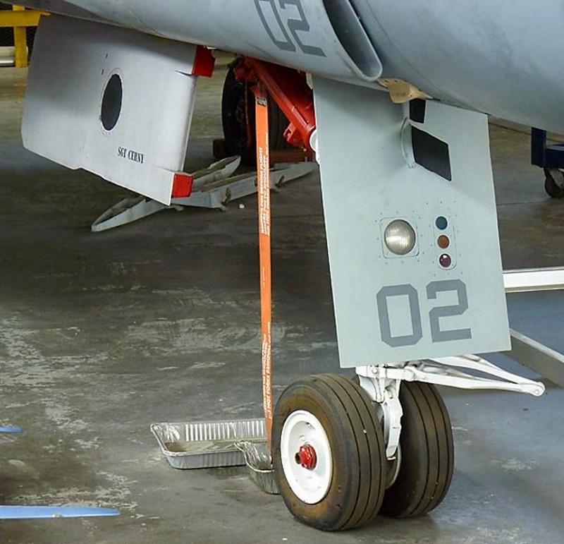 ΜακΝτόνελ F-4S Φάντασμα 5
