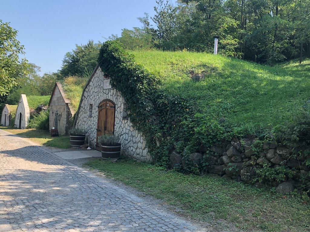 Tokajin Hobitti-kylä