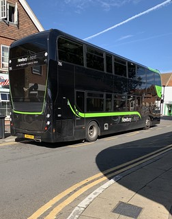 Alexander Dennis Enviro 400 MMC - Newbury & District / Reading Buses - 786 - SN16 OHD - 'New Livery'