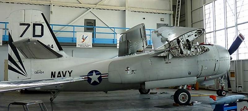 Grumman S-2F Tracker 2
