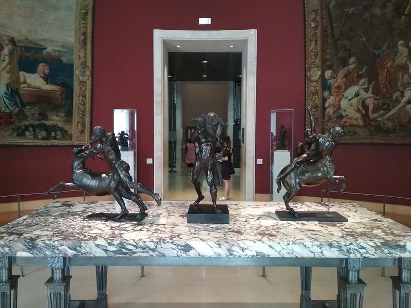 Париж - Лувр - Скульптуры