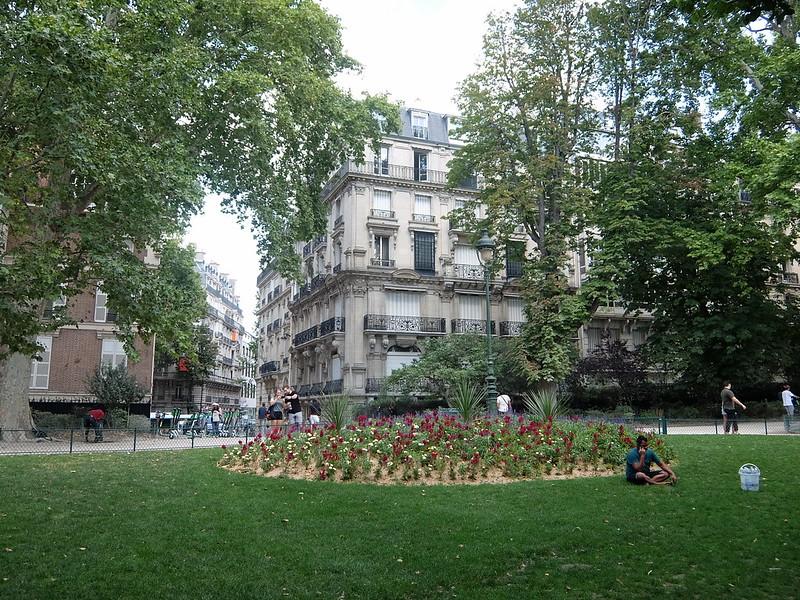Париж - Клумба