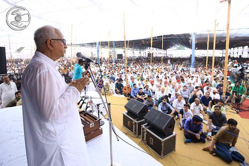 Radhey Shyam, Zonal Incharge thanking Satguru