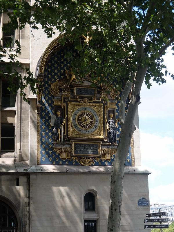Париж - Часы на Часовой башне