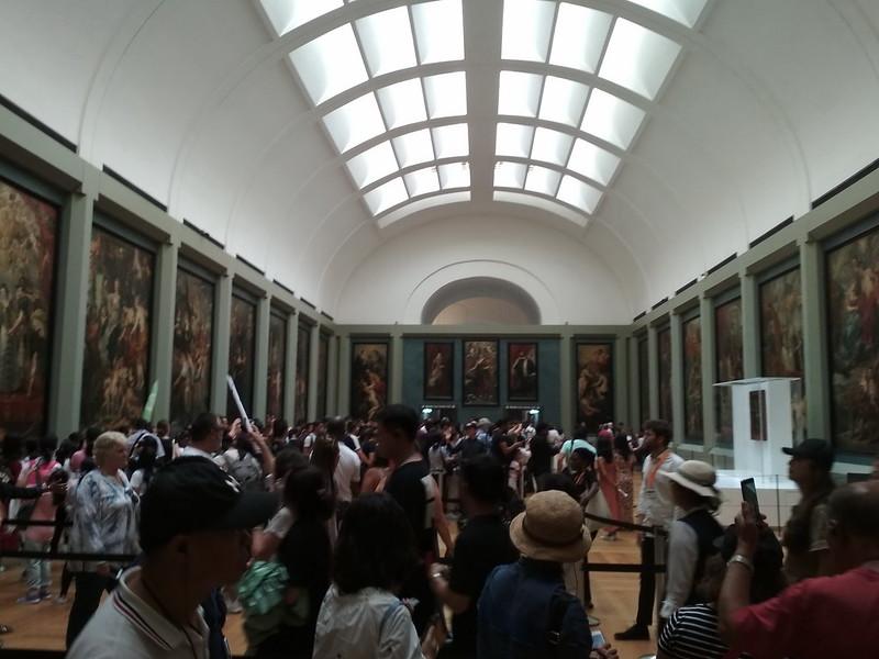 Париж - Лувр - Зал с Джокондой