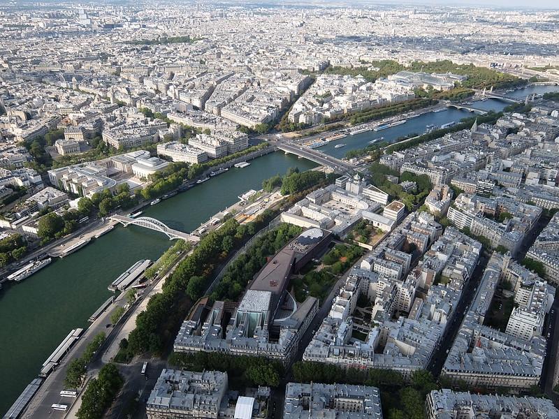 Париж - Эйфелева башня - Вид на Сену