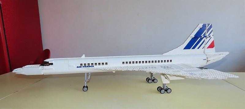 Un avion de ligne Lego 48726886963_1a122b9d9b_c