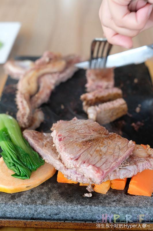 台中大里牛排,台中大里美食,台中美食,石板岩燒,鼎岩石板岩燒牛排 @強生與小吠的Hyper人蔘~