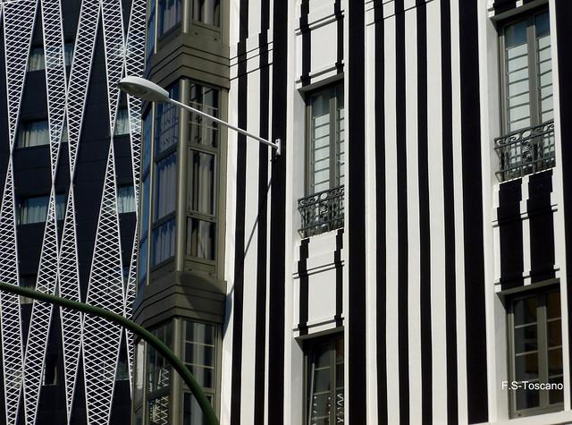 Contrastes Arquitectónicos. Architectonic contrast. A Coruña.