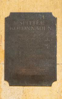 Erinnerungstafel an der Spittelkolonnade