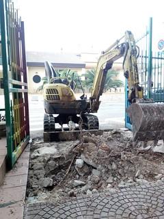 I lavori di scavo in via Gioia (1)