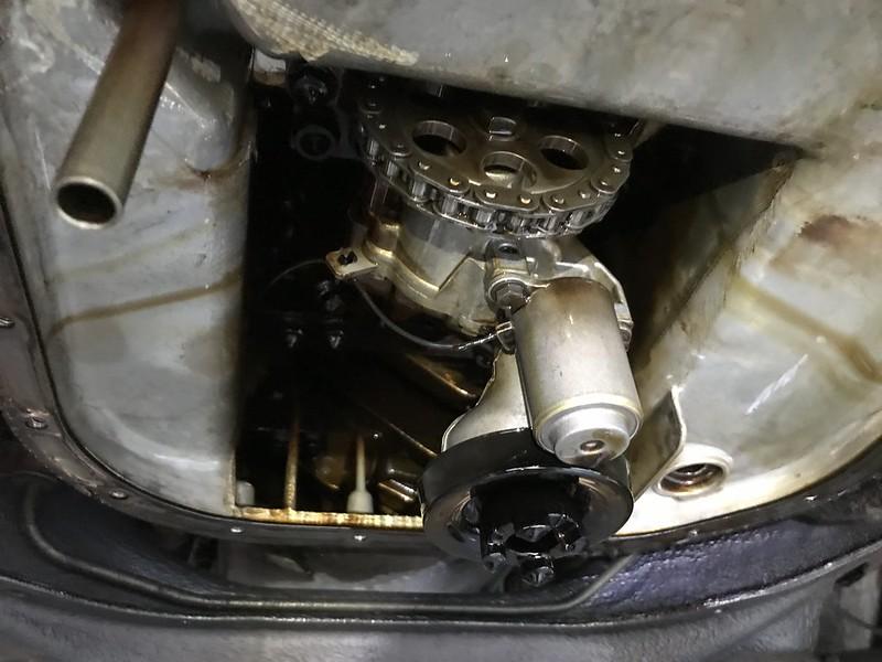 M117 oil pump