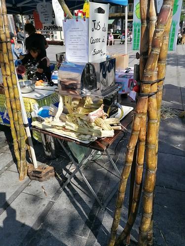 Mercado de Flagey. Cada sábado. Perfecto para sentarse en los jardines de Ixelles con comida exótica.