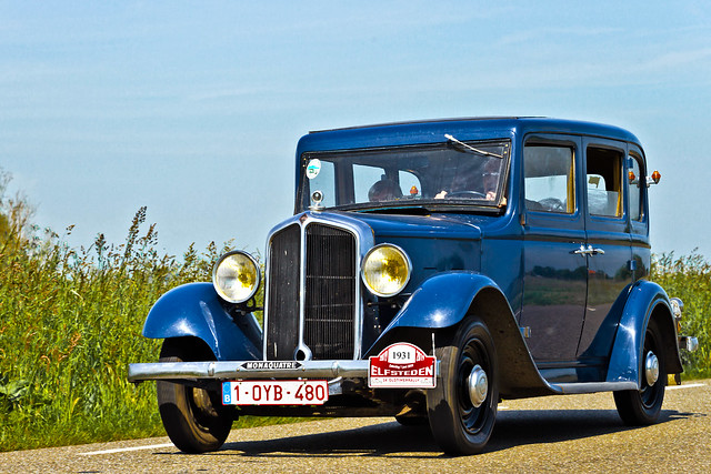 Renault Monaquatre 1931 (6118)