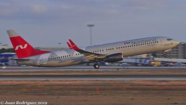 VP-BZV - Ikar - Boeing 737-9GP(ER)(WL) - PMI/LEPA