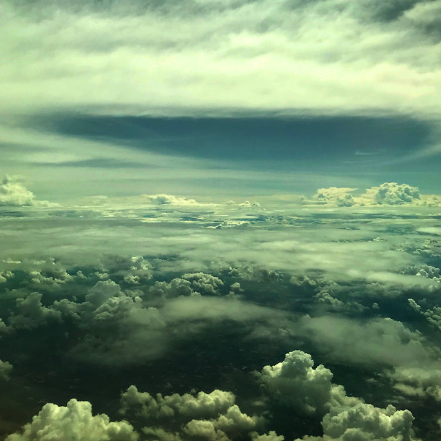 構成=Composition-181/Premonition ahead of the clouds