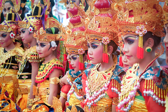 Grace and elegance of Balinese children
