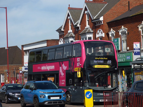 The 48 on a pink NXWM Platinum bus on Watford Road, Cotteridge