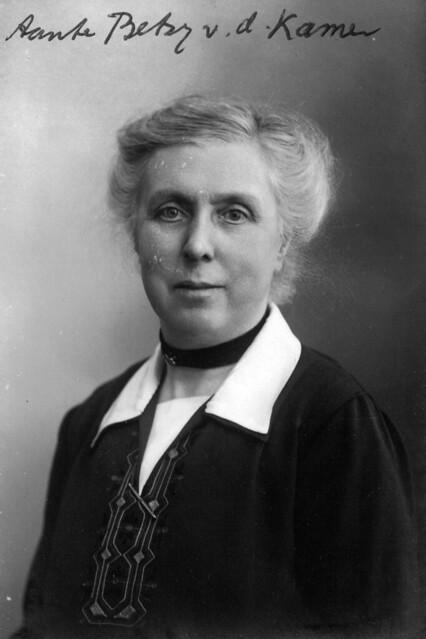 Dr. Elisabeth van de Kamer (1869-1944), my great-aunt